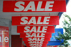 'Is there a sale on? @ Lowestoft, Suffolk' http://www.flickr.com/photos/43632116@N00/930660427